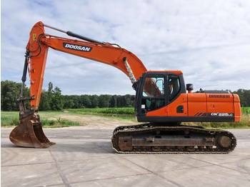 Doosan DX225LC (2613 HOURS)  - حفار زحاف