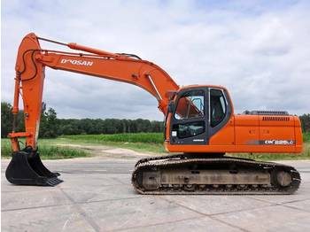 Doosan DX225LC (NEW BUCKET)  - حفار زحاف
