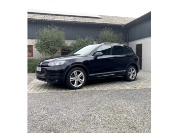 سيارة VW Toureg